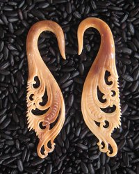 Antique Carved Walrus Balinese Flames 6g 4mm - One of a Kind