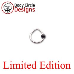 "Body Circle Surgical Stainless Steel 5/16"" Triangle Captive Bead Ring with Onyx Bead 16 Gauge 16g"